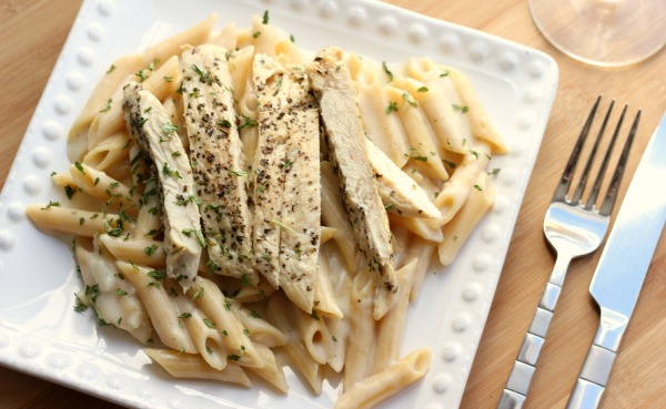 Basil Chicken with �Skinny� Alfredo Sauce