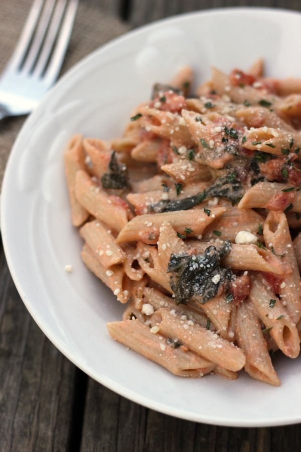 Spicy Tomato Spinach Pasta Recipe