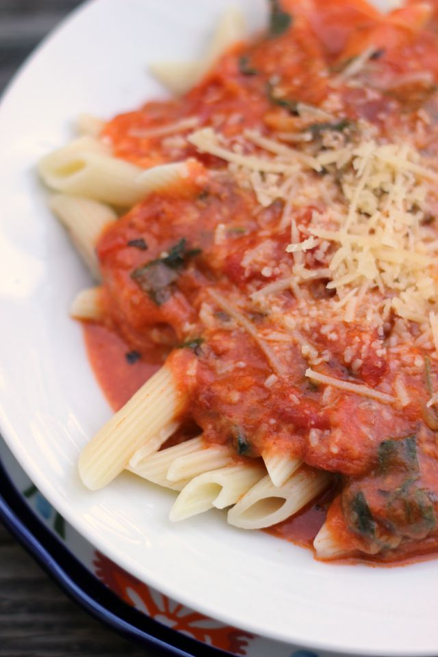 Easy Creamy Cheesy Tomato Sauce