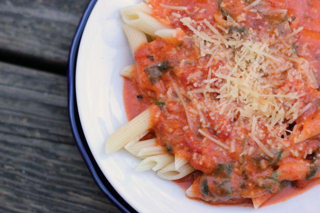 easy creamy tomato sauce