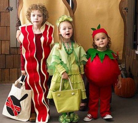 blt  sc 1 st  Little BGCG & 15 Halloween Costumes for Siblings - Little Us