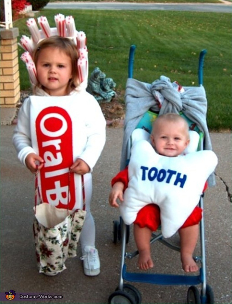toothpaste-and-thoothbrush-sibling-costume